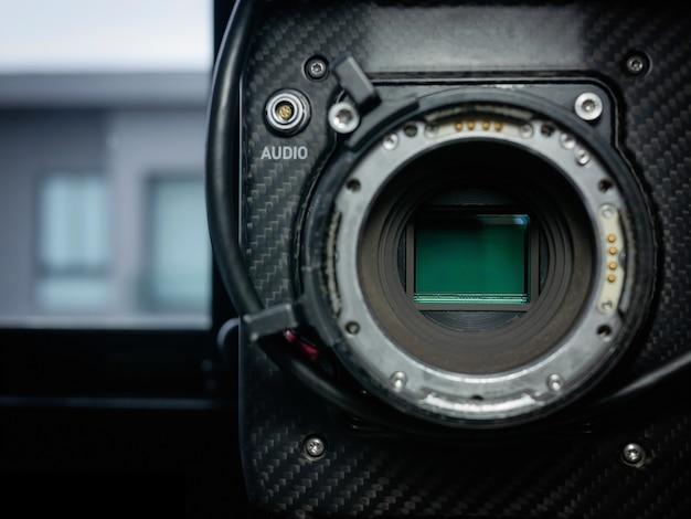 フルフレーム4kフィルムカメラのセンサーガラスの拡大図。