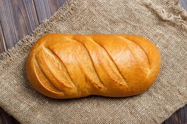 전통적인 신선한 빵의 클로즈업