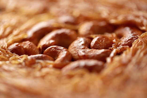 꿀과 견과류를 곁들인 터키식 바클라바 디저트 클로즈업