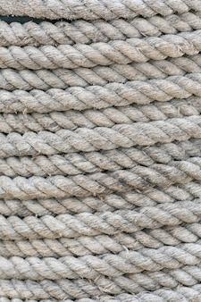 Крупным планом витая спиральная лодка веревка