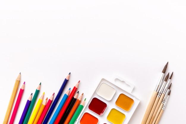 Крупным планом различных школьных предметов