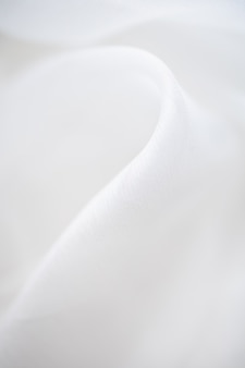 Крупным планом белой льняной тканью