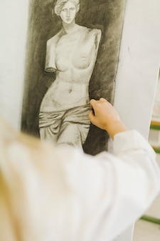 女性、手、クローズアップ、彫刻、キャンバス、スケッチ