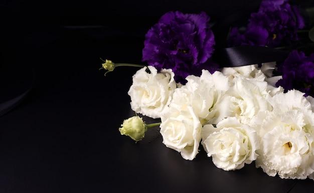 Крупным планом красивые и нежные цветы