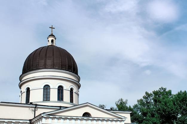 Крупным планом на красивый христос собор