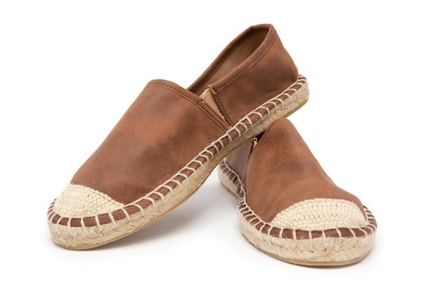 隔離されたきれいな靴にクローズアップ