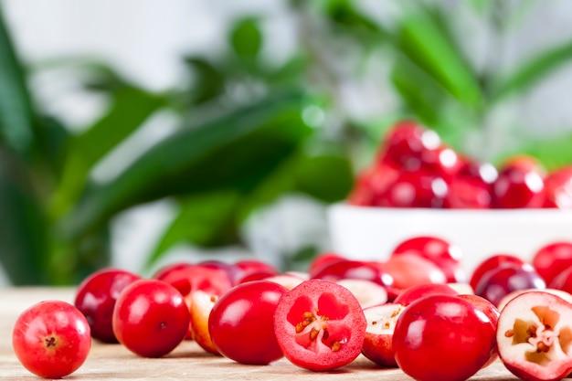 Крупным планом на ягоды клюквы