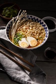Крупным планом вкусная азиатская еда