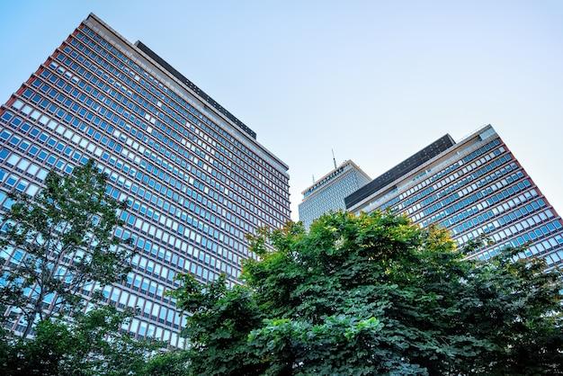 Крупным планом на здание prudential в бостоне