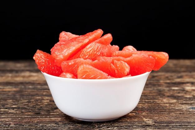 赤いグレープフルーツのクローズアップ