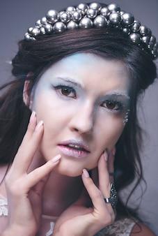 雪の女王の顔にクローズアップ