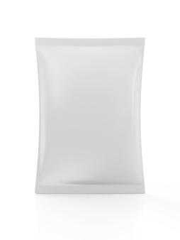 Закройте на белом пустой пакет для еды