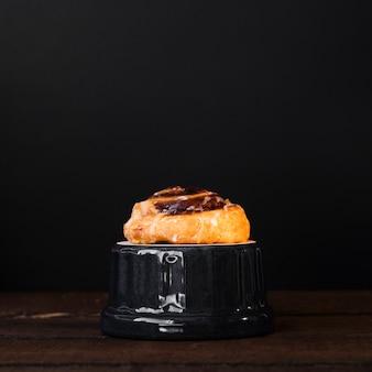 Close-up pain aux raisin with sugar