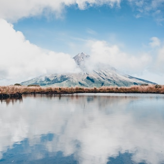 A close up picture of mount taranaki in summer time
