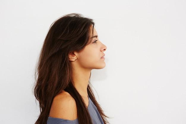 Крупный план портрет молодой женщины