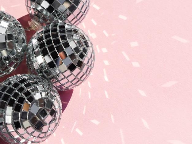 Palle da discoteca argento primo piano