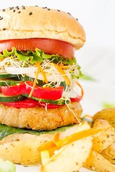 クローズアップのおいしいハンバーガー