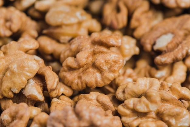 Крупным планом вкусные грецкие орехи