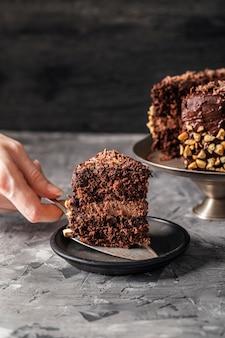 Vista ravvicinata di una deliziosa torta al cioccolato