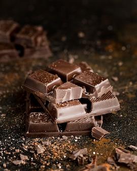 Vista del primo piano del concetto delizioso del cioccolato