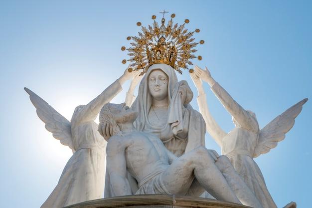 Закройте вверх по взгляду религиозного изображения христианства на ayamonte, испании.