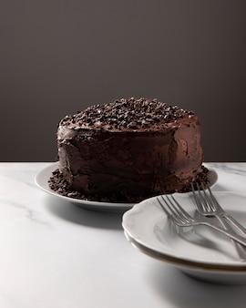 Крупным планом вид вкусного шоколадного торта