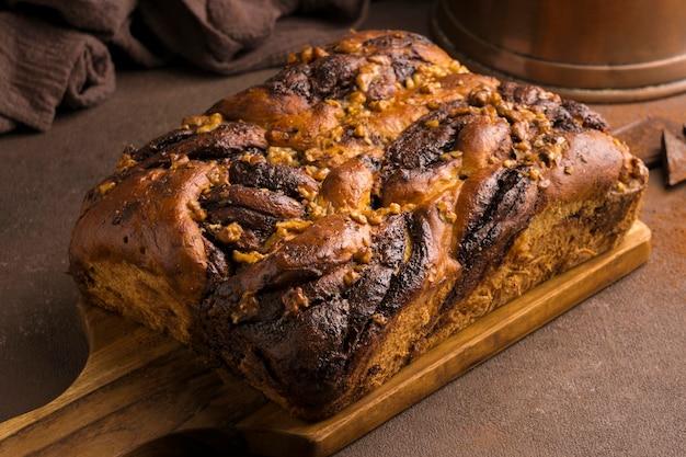 Крупным планом вид вкусного сладкого хлеба