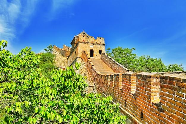 Крупный план великой китайской стены, секция «митяньюй». пригород пекина.