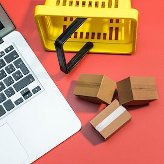 オンラインショッピングの概念のクローズアップビュー