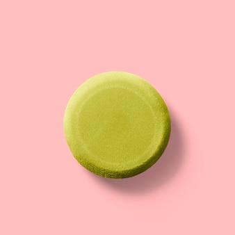 ピンクの背景に分離された陶器ツールのクローズアップビュー。あなたのデザイン要素にフィットします。
