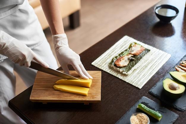 巻き寿司の作り方の拡大図