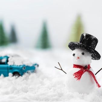 Крупным планом вид снеговика зимой концепции