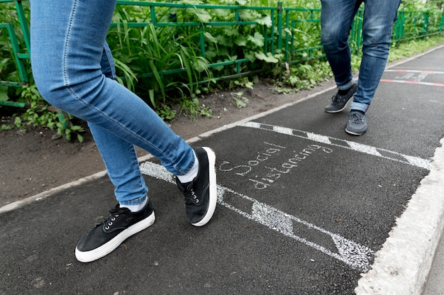 사회적 거리 개념의 근접 촬영보기