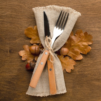 Столовые приборы на день благодарения крупным планом