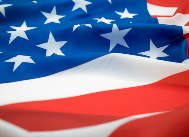 미국 국기를 흔들며 클로즈업