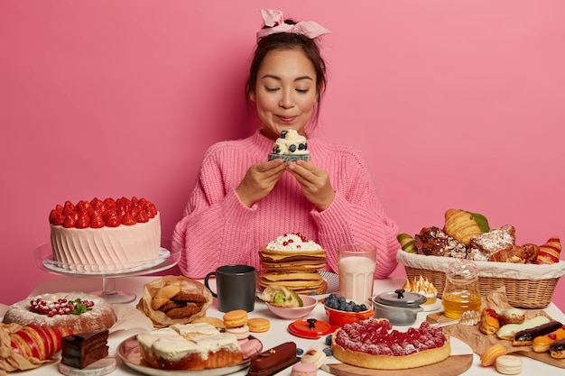 Close up on woman having a wholesome sweet meal