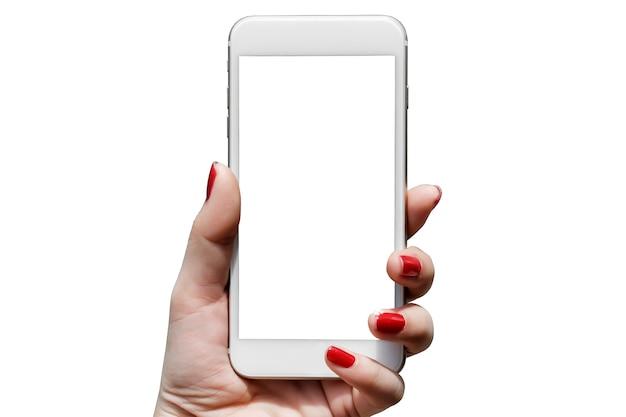 Крупным планом женщина держит телефон