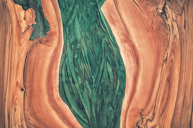 木とエポキシをクローズアップ