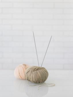 Крупным планом шерстяная нить для вязания