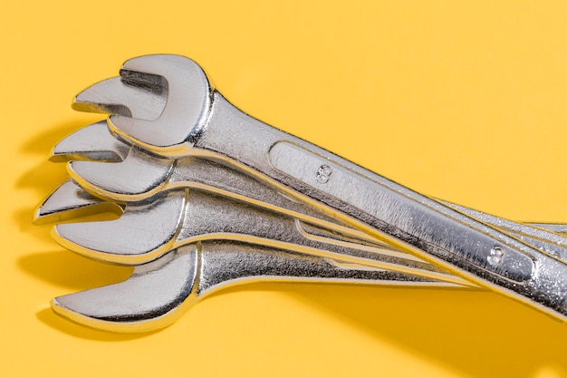 Close-up wrench set