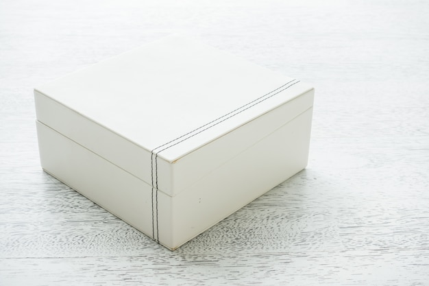 Close white box