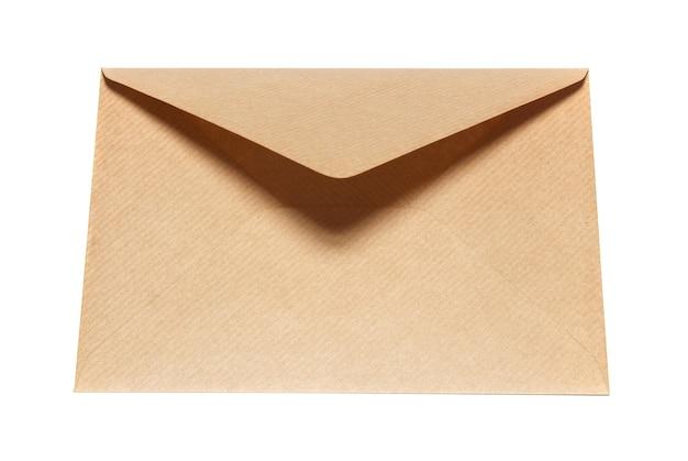 白い背景で隔離の閉じた紙の封筒