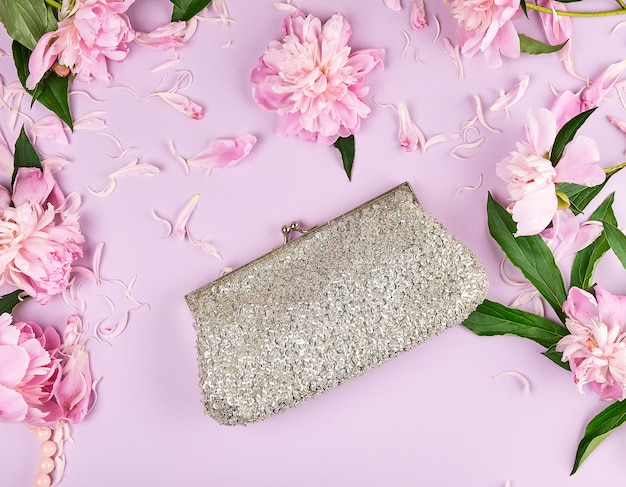 Closed silver women handbag with sequins for cosmetics