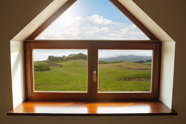 閉じた窓と自然ビュー リゾートと休息の外の美しい写真