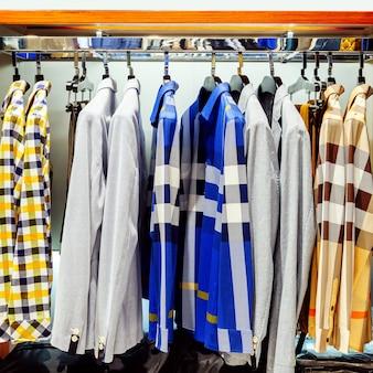 クローゼットシャツ