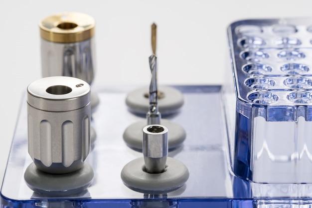 Closeup/ implant surgical kits/ mini screw/ screw driver/ drilling bits