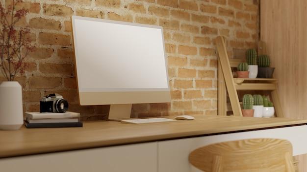 Крупным планом, современный современный домашний интерьер рабочего пространства с макетом пустого экрана рабочего стола компьютера на деревянном столе и кирпичной стене, современные украшения, 3d-рендеринг, 3d иллюстрация