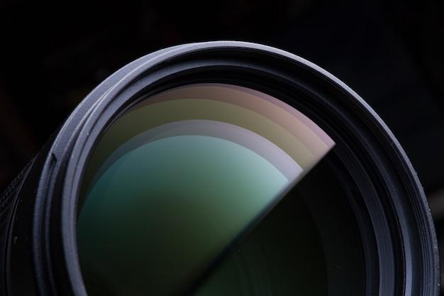 Крупным планом фотографического объектива