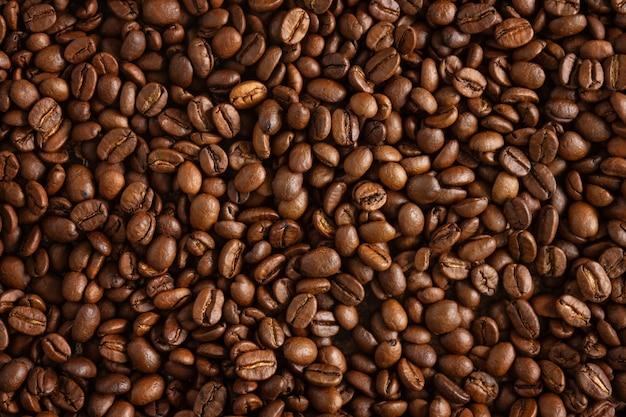 커피 콩 배경의 근접 촬영입니다. 위에서 보기