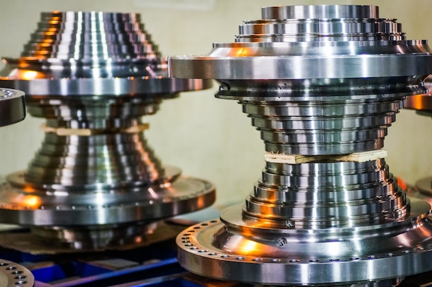 金属製の歯車の拡大鏡